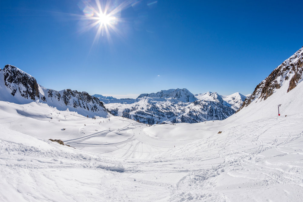 Isola 2000 photos de la station ciel bleu azur et soleil omnipr sent sur les pistes de ski d - Office de tourisme d isola 2000 ...