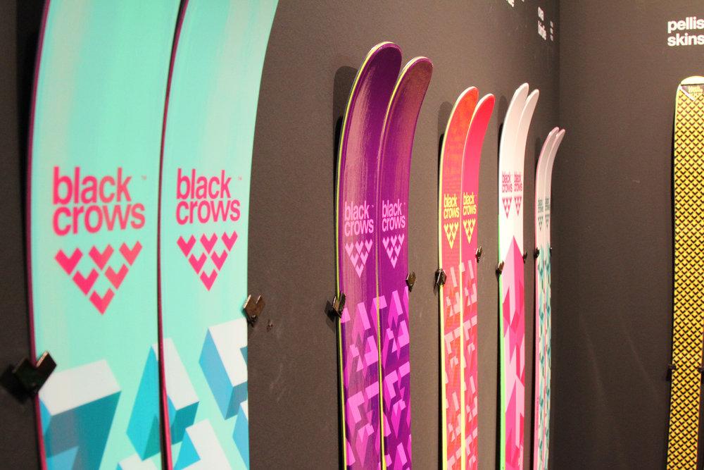 Opnieuw veel kleur bij Black Crows - ©Skiinfo