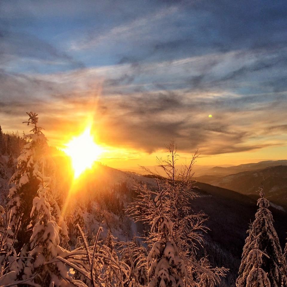 Sunset in Čertovica Pass, Slovakia (Jan 17, 2016) - ©FB Čertovica (Čertova svadba)