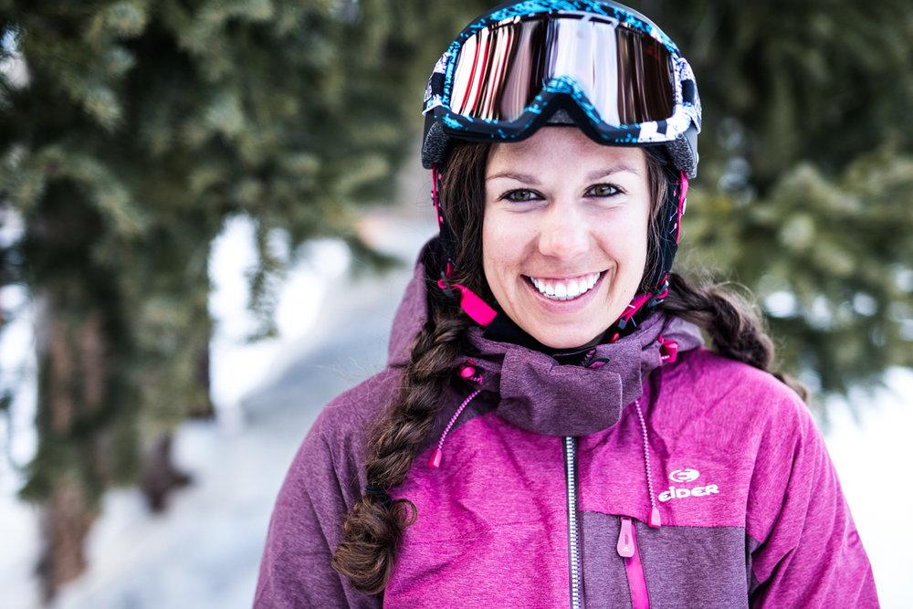 Siri Wieringa ist Alpin- und Freeride-Skilehrerin in der Alta Ski area und für die Snowbird Sports Education Foundation - ©Liam Doran