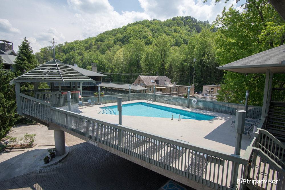 Riverhouse At The Park Ober Gatlinburg Ski Resort