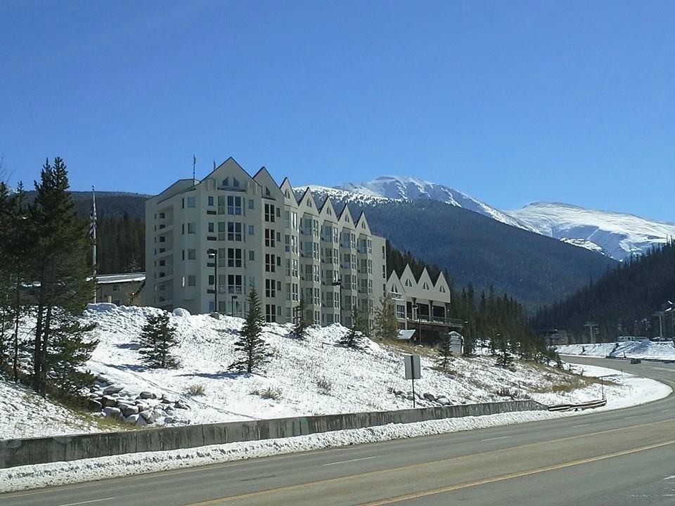 winter park mountain lodge winter park resort. Black Bedroom Furniture Sets. Home Design Ideas