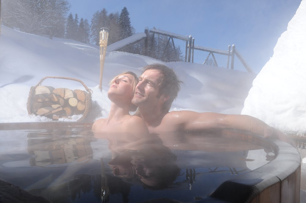 Couple in hot tub at Schladming