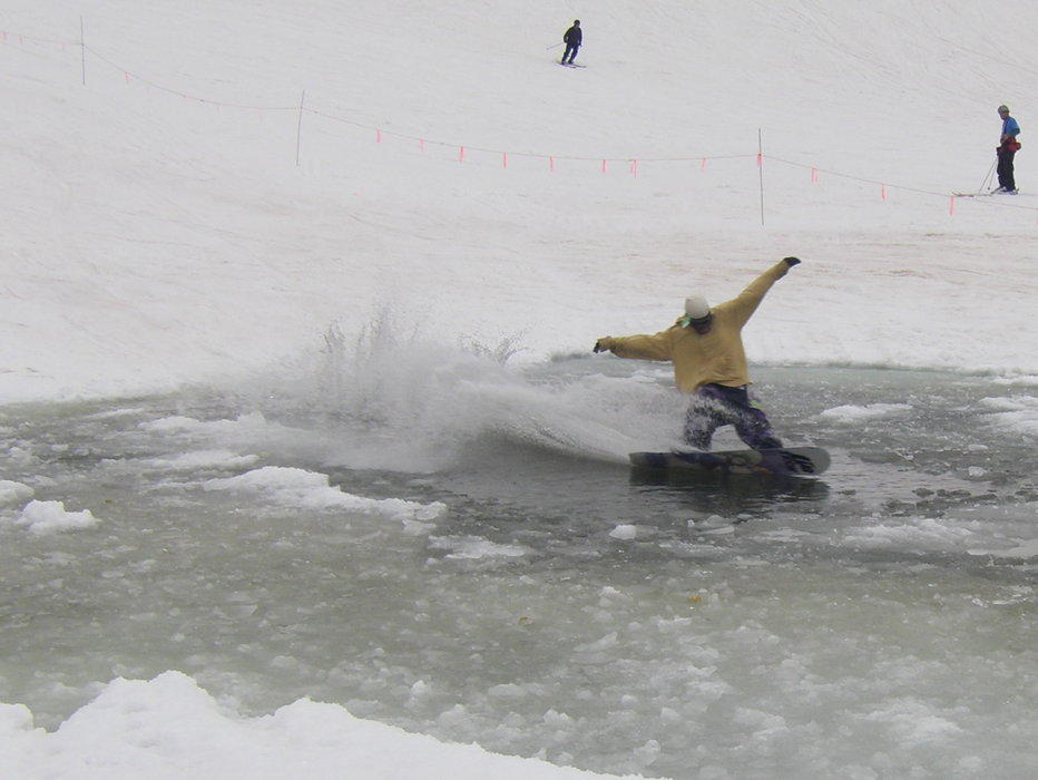 Ponmdskimmer a tArapahoe Basin CO