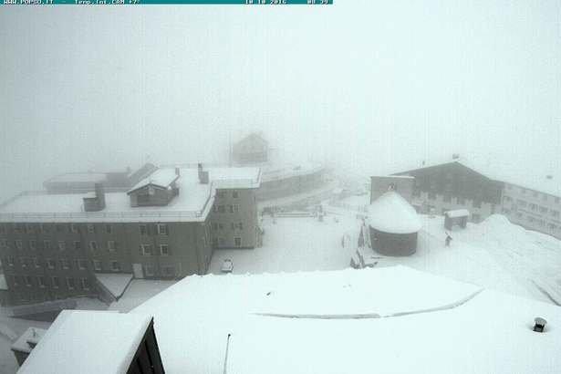 Passo Stelvio neve fresca 10 Ottobre 2016 - ©Passo Stelvio webcam