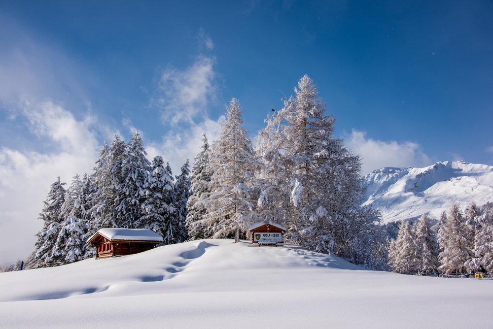Paysage hivernal sur les hauteurs enneigées de Crans Montana - ©Crans-Montana Tourisme & Congrès / Olivier Maire