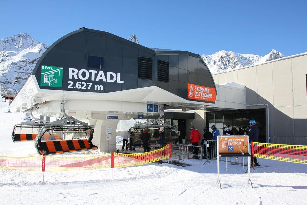 Der 8-Sessel Rotadl bringt einen bequem auf 3015m Höhe - ©Skiinfo