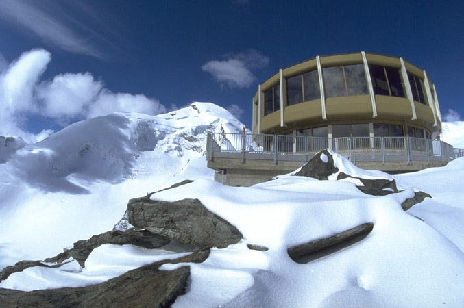Revolving restaurant at 3500 m in Saas Fee