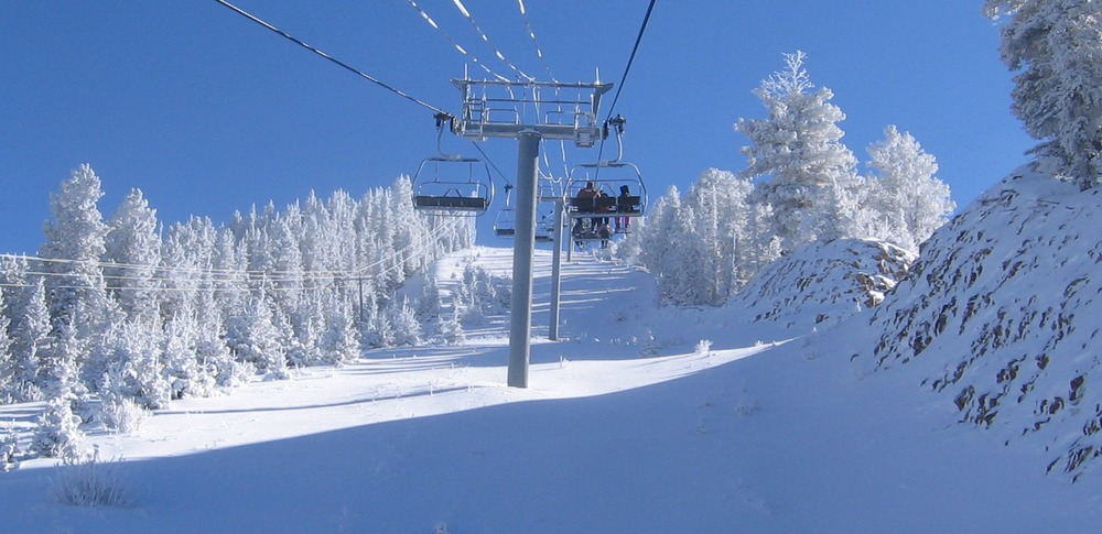 Fresh powder all around the chairlift at Angel Fire, NM. Photo by Isaiah Trujillo.