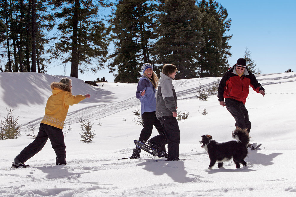 Family snowshoeing at Angel Fire, NM. Photo by Jack Affleck.