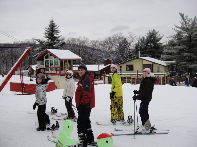 Young skiers waiting for the Bunny Chair at Tuxedo Ridge.