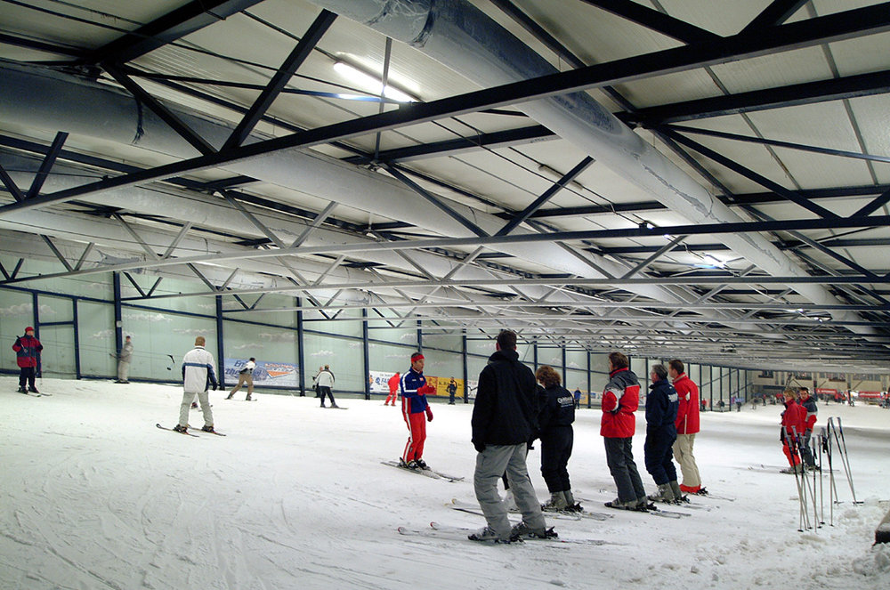 Skiers on the main slopes of Montana Skicentre, Netherlands.