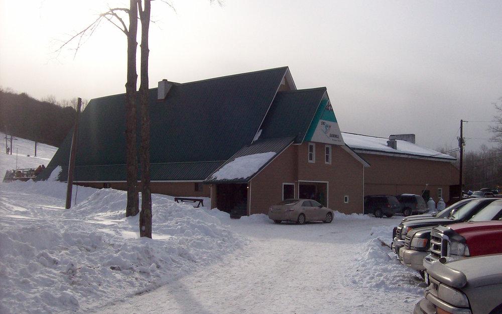 Base lodge at Ski Sawmill, Pennsylvania.