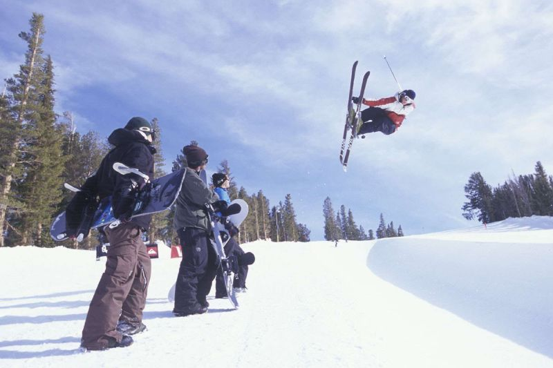 Pipe skier in Mammoth Mountain, California