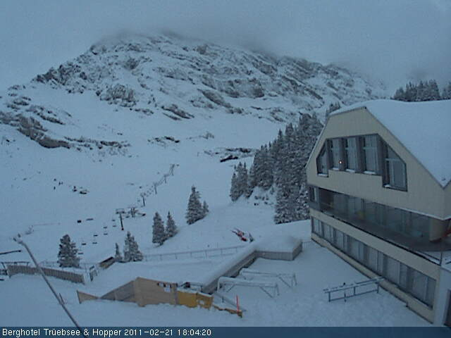 Fresh snow at 1800 metres in Engelberg (webcam Feb. 21)
