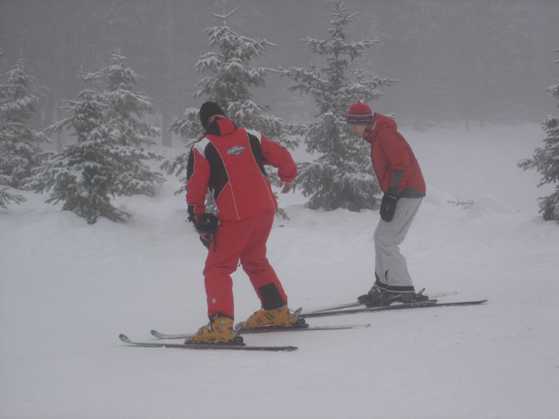 A ski lesson at Big White. Photo by Alexsandar/Flickr.