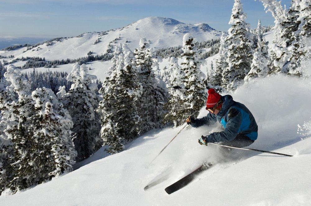 sun peaks resort photos sun peaks resort in bc skier. Black Bedroom Furniture Sets. Home Design Ideas