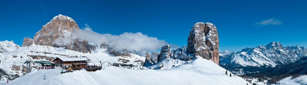 Skiing in Cortina d'Ampezzo, Dolomites - ©Cortina d'Ampezzo