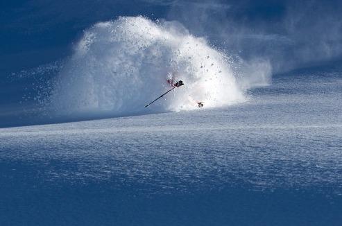 Piers Salomon rides deep pow, Engelberg - ©Oscar Enander