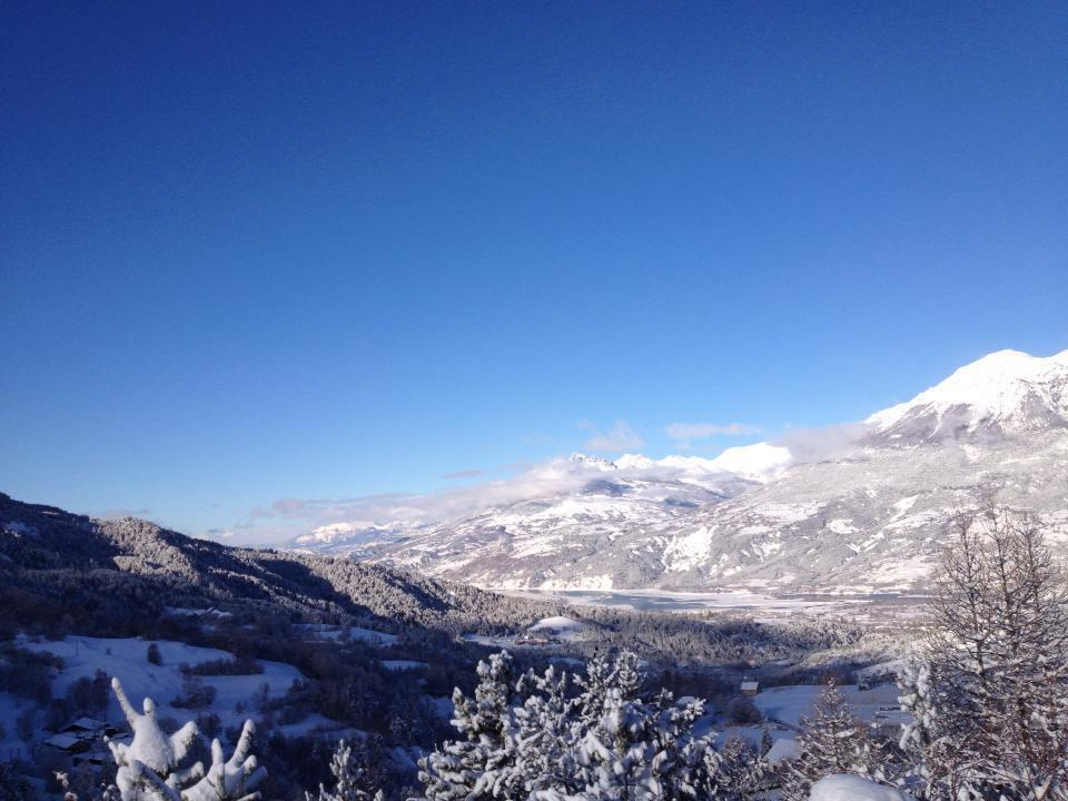 Blue skies in Les Orres on opening day. Dec. 8, 2012
