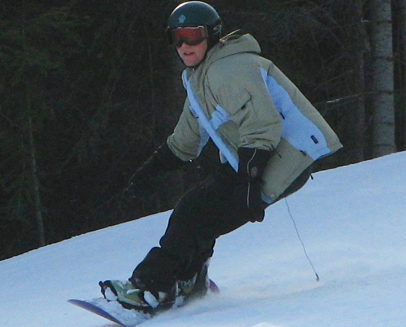 A snowboarder descends Tamarak. Photo by Brent/Flickr.