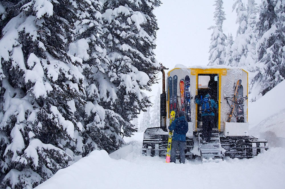Revelstoke cat sking - ©Revelstoke Mountain Resort