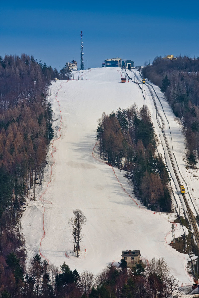 Ski Resort Gra ar