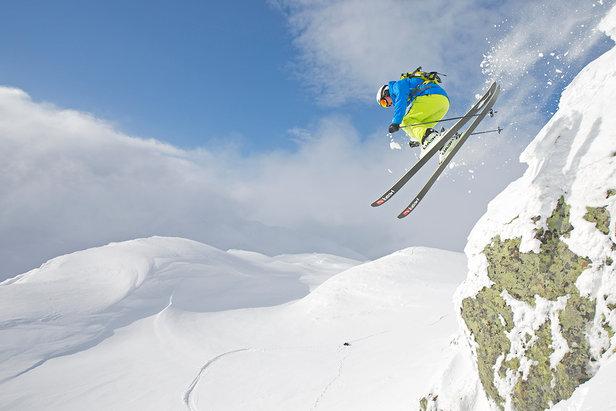 Mye snø i Hemsedal - ©På grunn av store mengder snø har Hemsedal besluttet å utvide skisesongen med én helg. I år kan du kjøre ski og snowboard til og med søndag 11. mai i Hemsedal Skisenter.