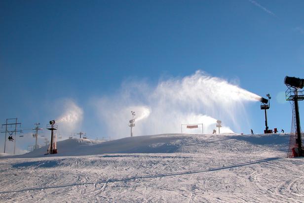 Paoli Peaks snowguns