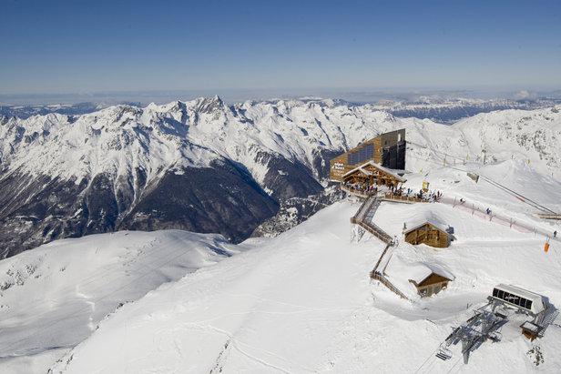 10 bonnes raisons de skier l 39 alpe d 39 huez skiinfo - Office tourisme alpe huez ...