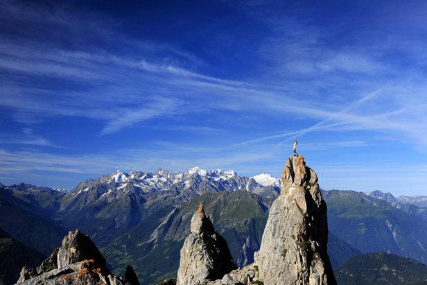 Atemberaubende Kulisse: Blick auf das Mont-Blanc-Massiv von den Clochetons (Pierre-Avoi) im Kanton Wallis