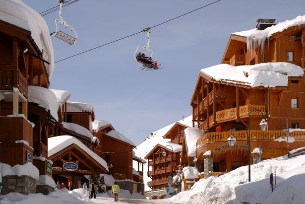 Val Thorens village with chairlift overhead - ©Val Thorens