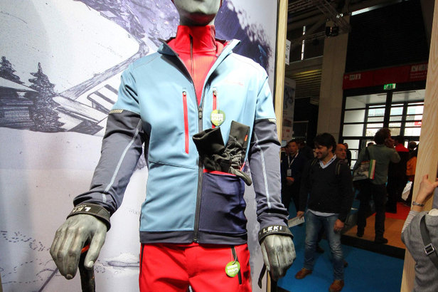 Die Larice Rapidity Jacket von VAUDE ist eine Skitouren-Softshell mit vielen Taschen - ©Skiinfo
