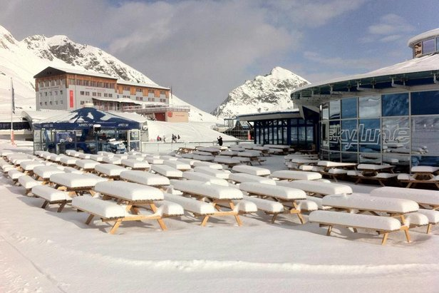 Świeży śnieg na Kitzsteinhornie  - 7.04.2016 - ©facebook Kitzsteinhorn