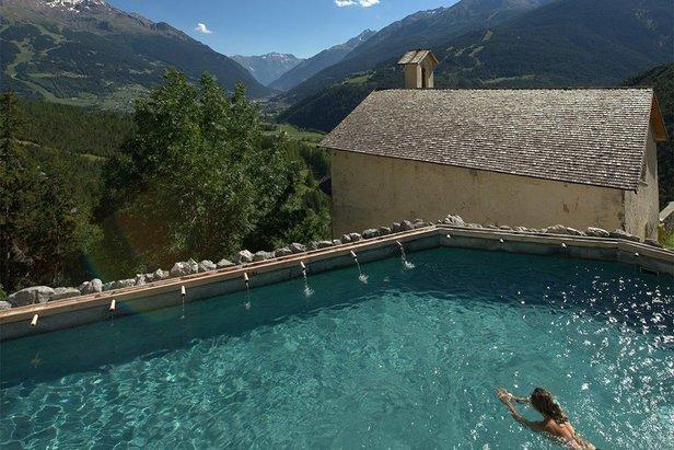 Bazén s impozantním výhledem v Bormiu - ©Bagni di Bormio