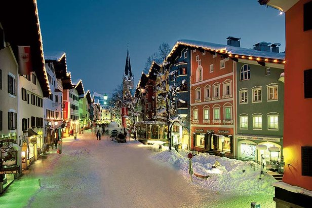 Kitzbühel town centre at night - ©Kitzbühel Tourism