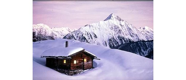 Zell am Zillertal - snow covered cabin 400px