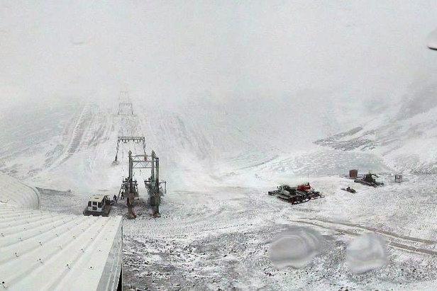 Vue sur le bas du glacier des 2 Alpes. Photo prise le 26 octobre 2012 - ©Service des pistes des 2 Alpes