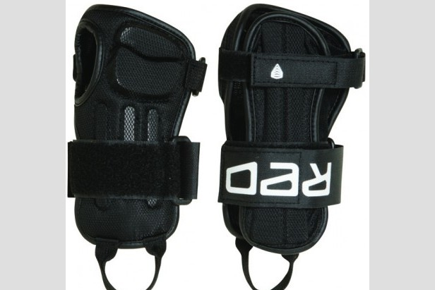 RED Impact Wrist Guard - ©Burton.com