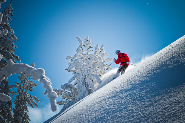Hitting the steeps at Mount Ashland. Photo by Paul Clark/Black and Red Photography. - ©Paul Clark/Black and Red Photography