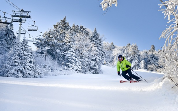 Perfect turns at Stratton. Photo: Hubert Schreibl / Courtesy of Stratton Mountain.