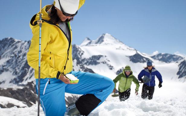Arva-Pelle-Sonde : le trio indispensable pour skier hors piste - ©Marque Pieps