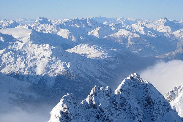 St. Anton - widok z Vallugi (2811 m) - ©Roderick Parks