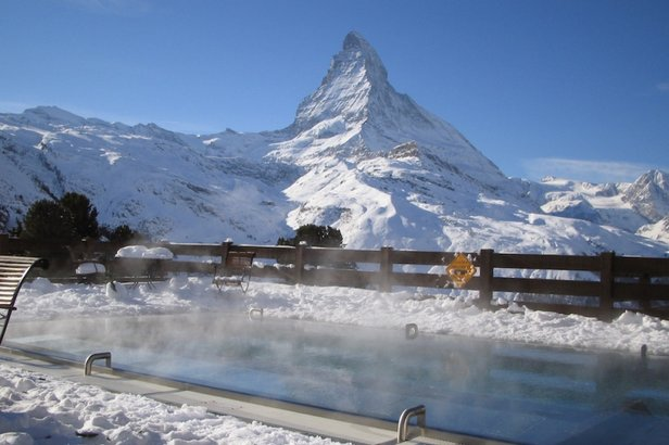 Heated pool next to the Matterhorn at the Riffelalp Resort, Zermatt - ©Riffelalp Resort