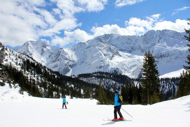 Skifahren im Skigebiet Ehrwalder Alm (Tiroler Zugspitzarena) - ©Skiinfo.de