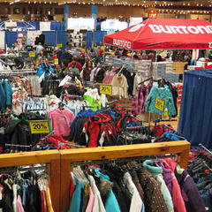 Colorful show floor at the Albany Ski & Snowboard Expo - ©Albany Ski & Snowboard Expo