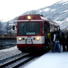 Mit der Bahn direkt zur Bergbahn in Zell am See - ©Pinzgauer Lokalbahn