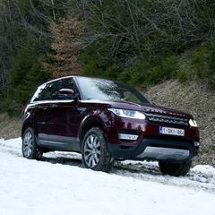 De Range Rover presteert uitstekend in de sneeuw. - ©Jurgen Groenwals