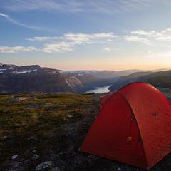 Sonnenaufgang mit Zelt - ©Erika Spengler