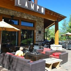 Enjoy wood-fired Neapolitan pizzas at Campo Mammoth. - ©Lara Kaylor